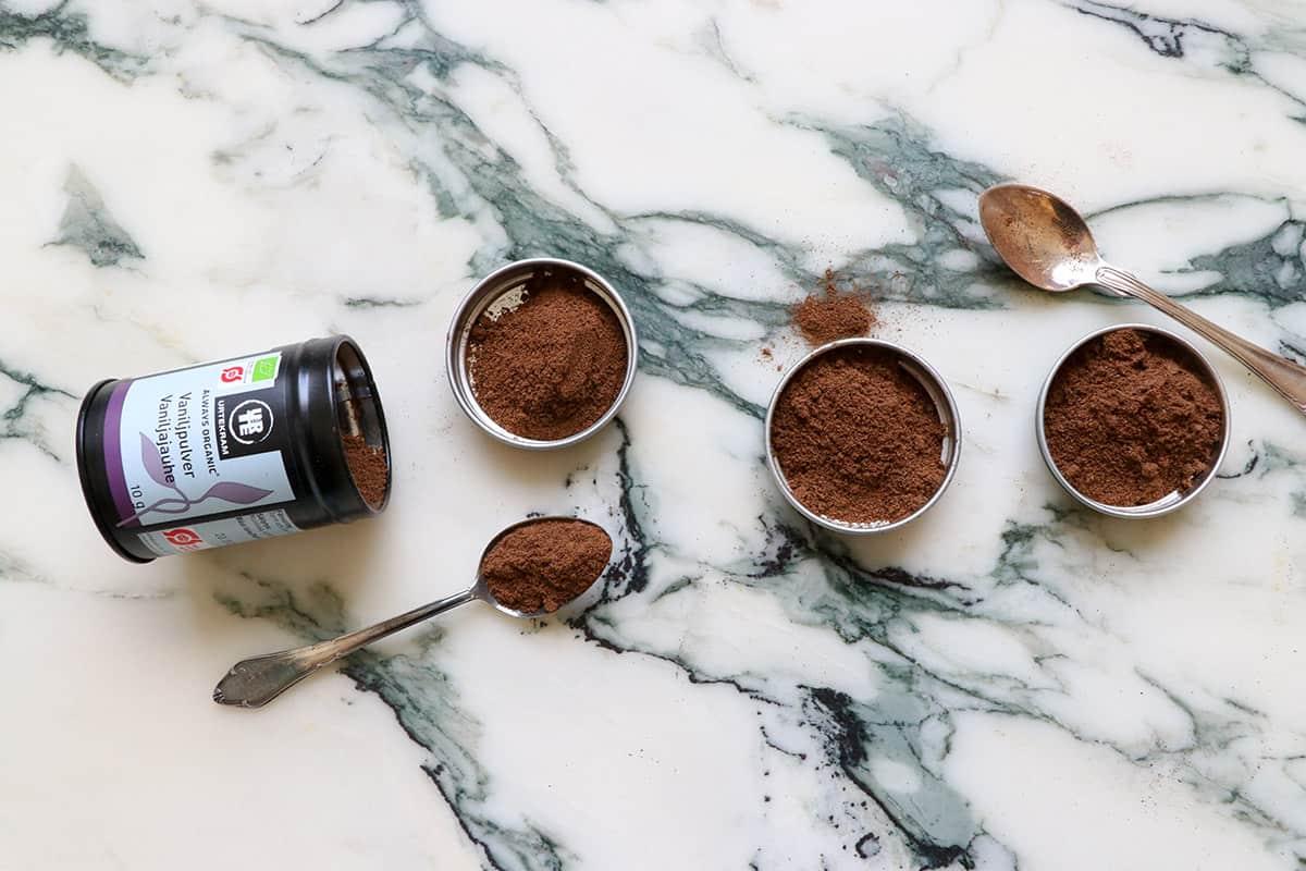 vaniljsocker och vaniljpulver